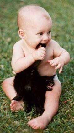poor kitty! jajjajaja