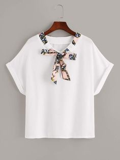 So cute white t-shirt with a minimal details of a scarf chain print Chain Print Tie Neck Tee Girls Fashion Clothes, Fashion Dresses, Clothes For Women, Camisa Formal, Latest T Shirt, Pulls, Capsule Wardrobe, Diy Clothes, Fashion News