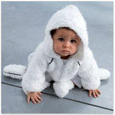 Pour bébé : Paletot à capuche et une paire de chaussons pour sportif!