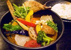 神楽坂ランチで訪れたい♪ 北海道の人気スープカレー専門店「Rojiura Curry SAMURAI.」|ことりっぷ