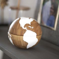 Make this Globe Accessory using two IKEA bowls! The best part? Click to find out ...