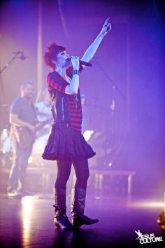 Kim Walker Smith of Jesus Culture. Love the outfit and the hair! Walker Smith, Kim Walker, Christian Singers, Christian Music, Jesus Culture, All About Music, Christianity, My Love, Concert