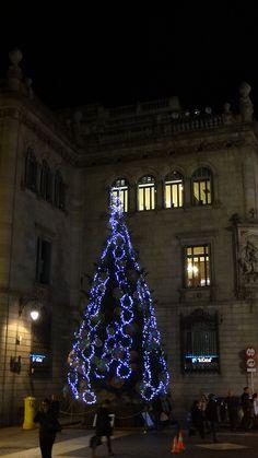 Arbre de Nadal de la Plaça de Sant Jaume, Barcelona