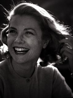 Pssst... want to know Grace Kelly's secret? A sunny disposition is glamorous!