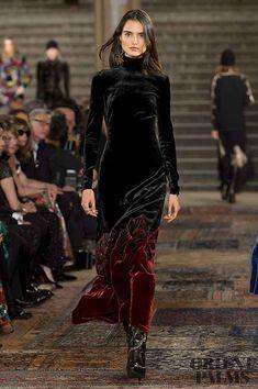 Ralph Lauren Fall-winter - Ready-to-Wear - Herren- und Damenmode - Kleidung Fashion Week, High Fashion, Winter Fashion, Fashion Show, Fashion Outfits, Fashion Design, Fashion Trends, Dress Fashion, 50 Fashion