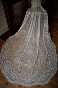 Hand Embroidered Silk Lace Wedding Veil, Bridal Veil