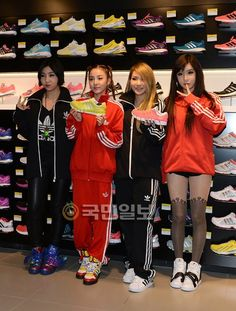 Press Photos of Super Gorgeous and Stylish 2NE1 at Adidas Store in Myeongdong