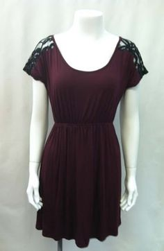 Gamecocks, Florida State, this one is for you! There is a gorgeous dress waiting for your next football game or date night, and this is it. A price that wont break the bank but will look fabulously on trend, this is perfect!