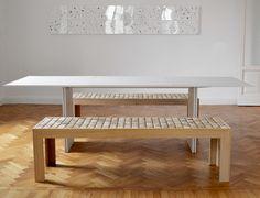 Sofia mg12: tavoli, comodini e panche in legno massello teka con cilindri sospesi - panca