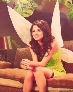 Old Disney, Disney Girls, Selena Gomez, Alex Russo, Wizards Of Waverly Place, Disney Cosplay, I Am A Queen, Marie Gomez, My Childhood Memories