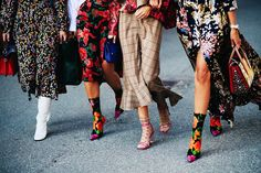 How To Pull Off This Fall Fashion-Girl Trend