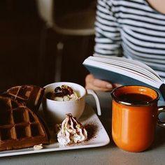 coffee+waffles +reading