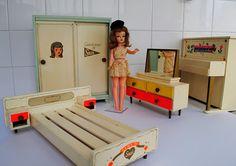 Susi anos 60 e seus Moveis de quarto
