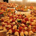 Fingerfood Buffet mit Mozzarella Spießchen