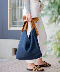 Fabric Tote Bags, Diy Tote Bag, Canvas Tote Bags, Craft Bags, Linen Bag, Patchwork Bags, Bag Patterns To Sew, Simple Bags, Denim Bag