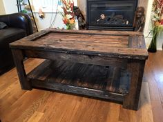 Custom made pallet art and pallet furniture. Coffee tables, end tables and farm tables. DIY done by me.