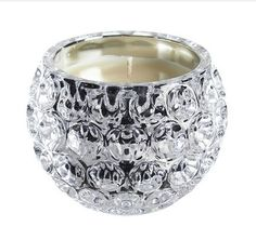 Sparkle Glow Scented Candle £20.00 Stunning crystal effect scented candle. Fresh linen fragrance. Size H8 x diam. 10cm.