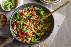You can be tucking into this virtuous bowlful of veggies & rice, in just 15 minutes. Find more easy recipes for vegetarian dinners at Tesco Real Food.
