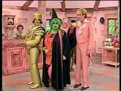 ▶ Emu's All Live Pink Windmill Show Grotbags. 1980s Childhood, My Childhood Memories, 80s Kids, Kids Tv, Retro Kids, Kids Shows, Tv Shows, Pink Windmill, 80s Party Costumes