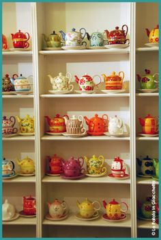 display of tea pots- love this, want this, need this!!