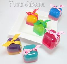 cubitos de jabon                                                                                                                                                                                 Plus Homemade Body Lotion, Homemade Body Care, Diy Bath Soaps, Homemade Business, Decorative Soaps, Beauty Soap, Homemade Soap Recipes, Soap Packaging, Glycerin Soap