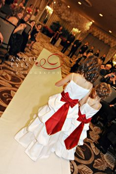 Orrington Hilton Hotel Evanston IL Wedding photos, Red Flowers Bridesmaids dresses, red bridal shoes, winter wedding, Hilda Burke Angel Eyes Photography Chicago (13)