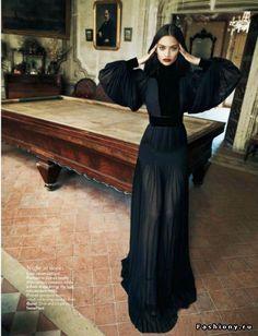 Фотосессия под названием «A Dark Craft» для журнала Vogue India за декабрь 2012 года. В съемках принимала участие модель Шанина Шаик (Shanina Shaik). Фотографом данной фотосессии является Марсин Тишка (Marcin Tyszka), стилист Йи Гуо (Yi Guo). Для съемок были подобраны наряды из коллекций Bottega Veneta,Gucci, Victor & Rolf и других марок