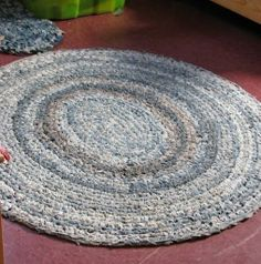 Excellent rag rug made of old jeans!