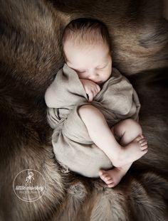 Puristische Babyfotos und Lifestyle Familienfotografie  #babyfotos #berlin #babyfotografie #berlin #baby #babyphotography #newborn #newbornphotography #newbornphoto