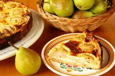 Tarte aux poires à la cardamome et crème anglaise au miel - Châtelaine