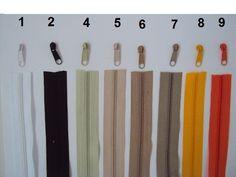 *Auswahl zwischen 30 Farben*    Das Set besteht aus 10m Endlos- Reißverschluß,Breite 24 mm, Kunststofflaufschiene 3mm, sowie 25 Zippern in frei wäh...