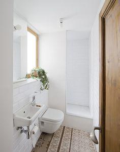 2 bedroom 2 bathroom tiny house 2 bedroom tiny house 9 small bathroom storage ideas a small bathroom decorating a tiny bathroom design a tiny bathroom designs for a tiny bathroom ideas for a tiny bathroom make a tiny bathroom look bigger remodel a tiny ba Farmhouse Bathroom Mirrors, Bathroom Floor Tiles, Modern Bathroom, 1920s Bathroom, Tile Floor, Bathroom Interior, Wall Tiles, Bathroom Furniture, Bathroom Green