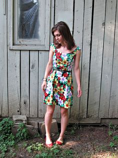 Bella-Jean by lladybird, via Flickr. Sewing blog. Great pattern choices.
