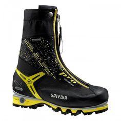 Ein 4-Jahreszeiten-Schuh der Alpinisten auf technischen Mixedrouten und beim Eisklettern begleitet. Die integrierte, wasserdichte Gamasche mit Reißverschluss und das Thinsulate B400 Futter halten die Füße warm und trocken. Durch die Verwendung von Superfa
