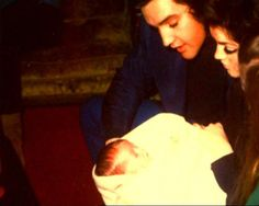 Elvis and Priscilla in Memphis in may 1 1968 with baby Lisa-Marie.