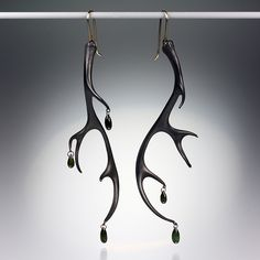 Gabriella Kiss' oxidized bronze antlers with five dark green tourmaline briolettes and yellow gold earwires- MUST HAVE! Oxidized bronze, very doable. Jewelry Design Earrings, I Love Jewelry, Stone Jewelry, Jewelry Art, Silver Jewelry, Fashion Jewelry, Fantasy Jewelry, Metal Casting, Green Tourmaline
