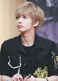MONSTA X's Hyungwon