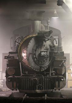 Durango Steam Dreams - Silverton Boiler #480 K-36 Mikado Roundhouse Train