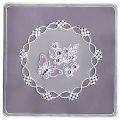 A very happy Monday to all. I had some time to make a parchment card again. I still think it is the most therapeutic kind of craft around. Craft Space, Space Crafts, Vellum Crafts, Parchment Design, Parchment Cards, Marianne Design, Card Patterns, Butterfly Flowers, Ribbon Embroidery