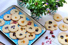 ט Holidays, Cookies, Desserts, Food, Crack Crackers, Tailgate Desserts, Biscuits, Meal, Holiday