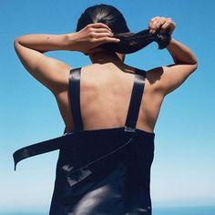 H&M's langverwachte nieuwe winkelketen @arketofficial is zojuist geopend.Achter de link in bio lees je alles over dit nieuwe label dat in het teken van kwalitatieve tijdloze kleding staat en check je meteen of dit jouw nieuwe go-to highstreetlabel is. #arket #newwebshopintown #evenbijblijven  via HARPER'S BAZAAR HOLLAND MAGAZINE OFFICIAL INSTAGRAM - Fashion Campaigns  Haute Couture  Advertising  Editorial Photography  Magazine Cover Designs  Supermodels  Runway Models