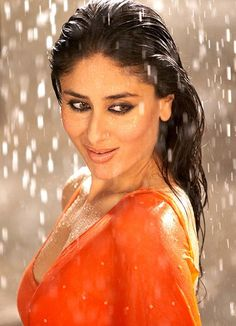 Kareena-Kapoor-Hot-in-Saree.jpg (558×772)