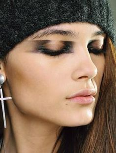 Fall Runway Makeup Trends 2012: emphasis on the inner & outer corners <3!