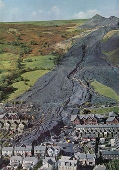 Mining town of Aberfan, Wales. In an incredible landslide composed of excavated rock, slag and other mining debris killed 144 people, including 116 children, Wales Tsunami, Natural Phenomena, Natural Disasters, Tornados, South Wales, Wales Uk, Amazing Nature, Mother Earth, The Locals