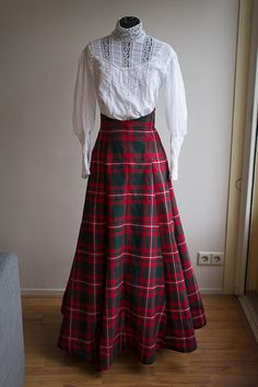 It's done! My high-waist Edwardian Skirt is done, and with it the petticoat to go underneath. Both the petticoat and skirt were made with the 10-gore skirt pattern from Truly Victorian. I made the ...