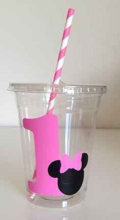 12 Pink or Red Minnie Mouse Party Cups with Lid and Straw