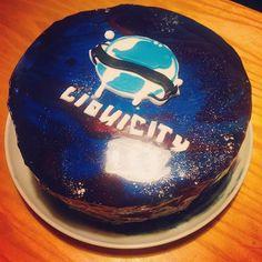Liquicity galaxy mirrorcake #liquicity #cake #mirror #mirrorcake #drumandbass #birthday