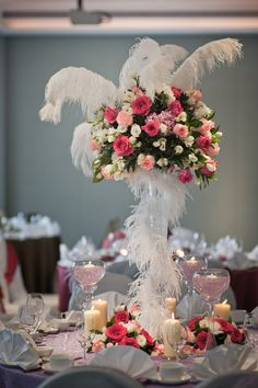 Add angel-esque feather details to your wedding decor for that heavenly feel. Hotel Fort Canning.