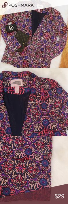 """Forever 21 Contemporary Spring Blazer, Size Small Forever 21 Contemporary is Forever 21's """"nicer"""" collection. This blazer is extremely light weight and very stylish. Only worn once. Amazing condition. Only worn once. Forever 21  Jackets & Coats Blazers"""