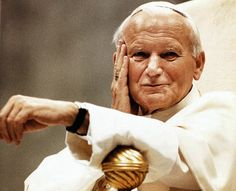 Pope John Paul II apologizes for the wrongdoings by members of the Roman Catholic Church throughout the ages. Papa Juan Pablo Ii, Juan Xxiii, Pope Benedict, Pope John Paul Ii, Paul 2, Papa Francisco, Pope Francis, Daily Devotional, Roman Catholic